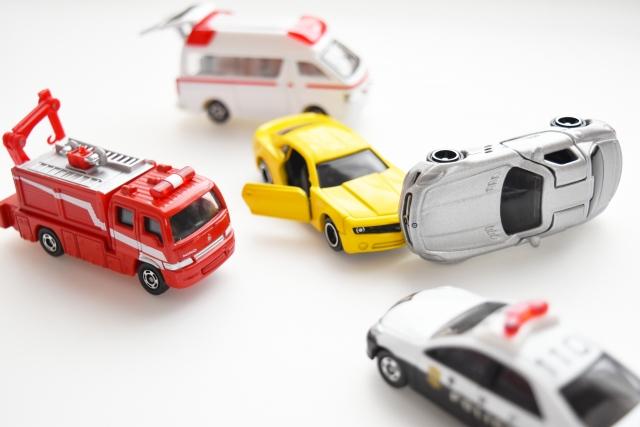 自動車保険の人身傷害と搭乗者障害の違いは?保険金額はいくらが良い?
