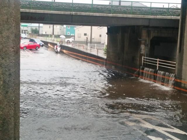 【自動車保険】洪水などの水害で車が水没した場合は補償されるの?