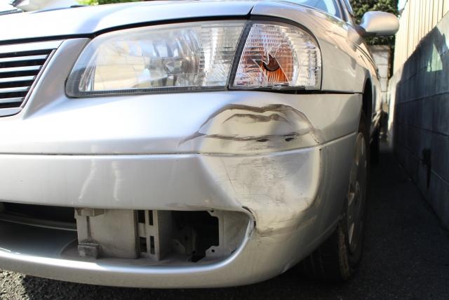 【自動車保険】当て逃げされたら車両保険は使える?等級はどうなる?